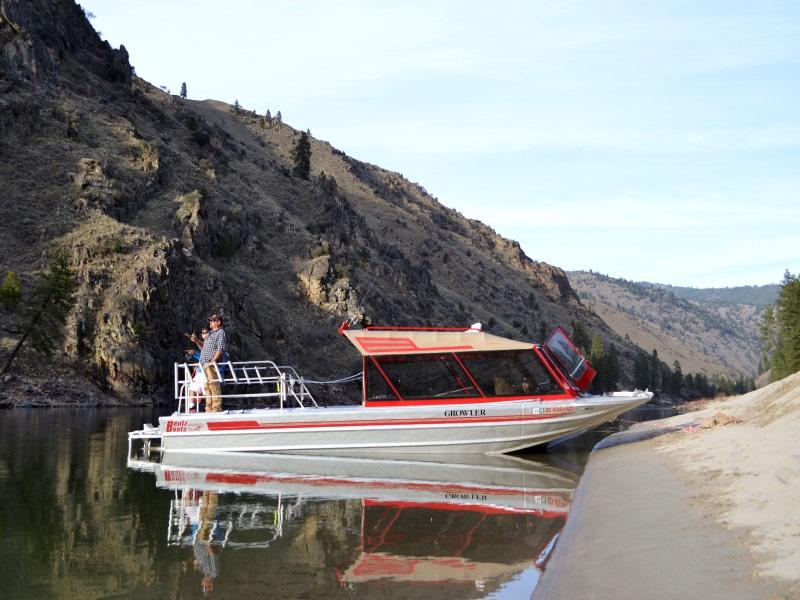 Idaho steelhead fishing trips and lodge salmon river for Idaho fly fishing lodges
